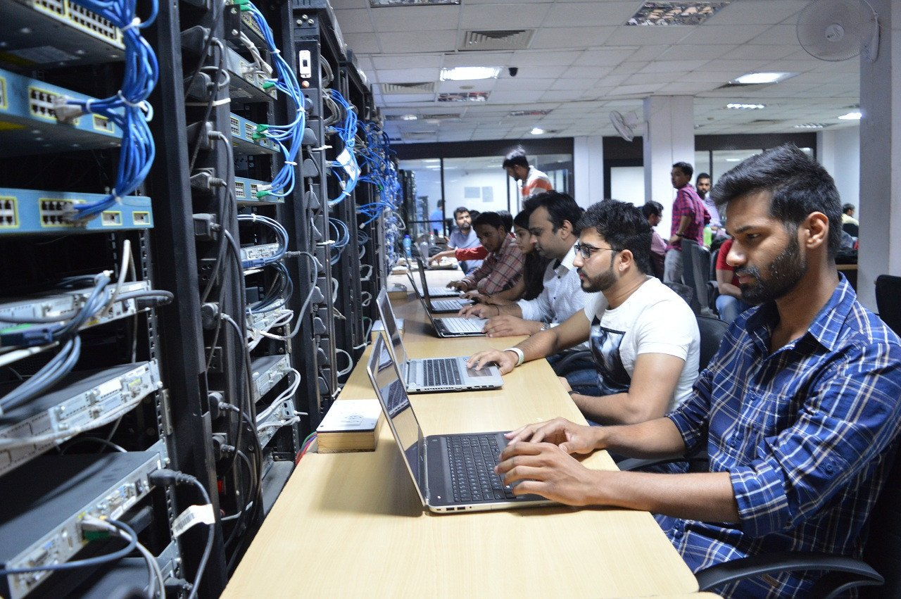 Want to Make Career in Data Center Field? All you should know about Network Bulls' Data Center Training